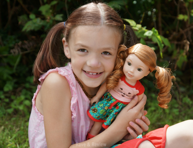 WellieWishers Willa doll hug